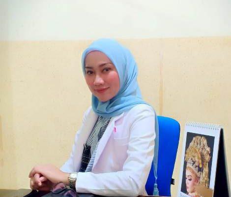 dr. Yuanita Iskandar, Sp.KK