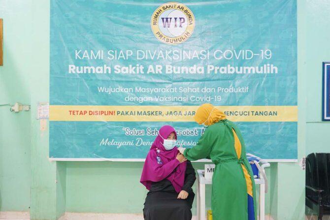 Vaksinasi untuk Tenaga Medis dan Karyawan Rumah Sakit AR Bunda Prabumulih